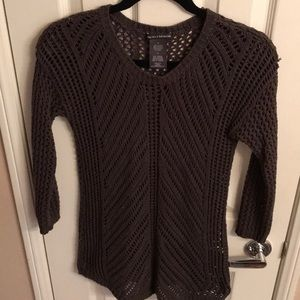 Gray sweater with 3/4 sleeves